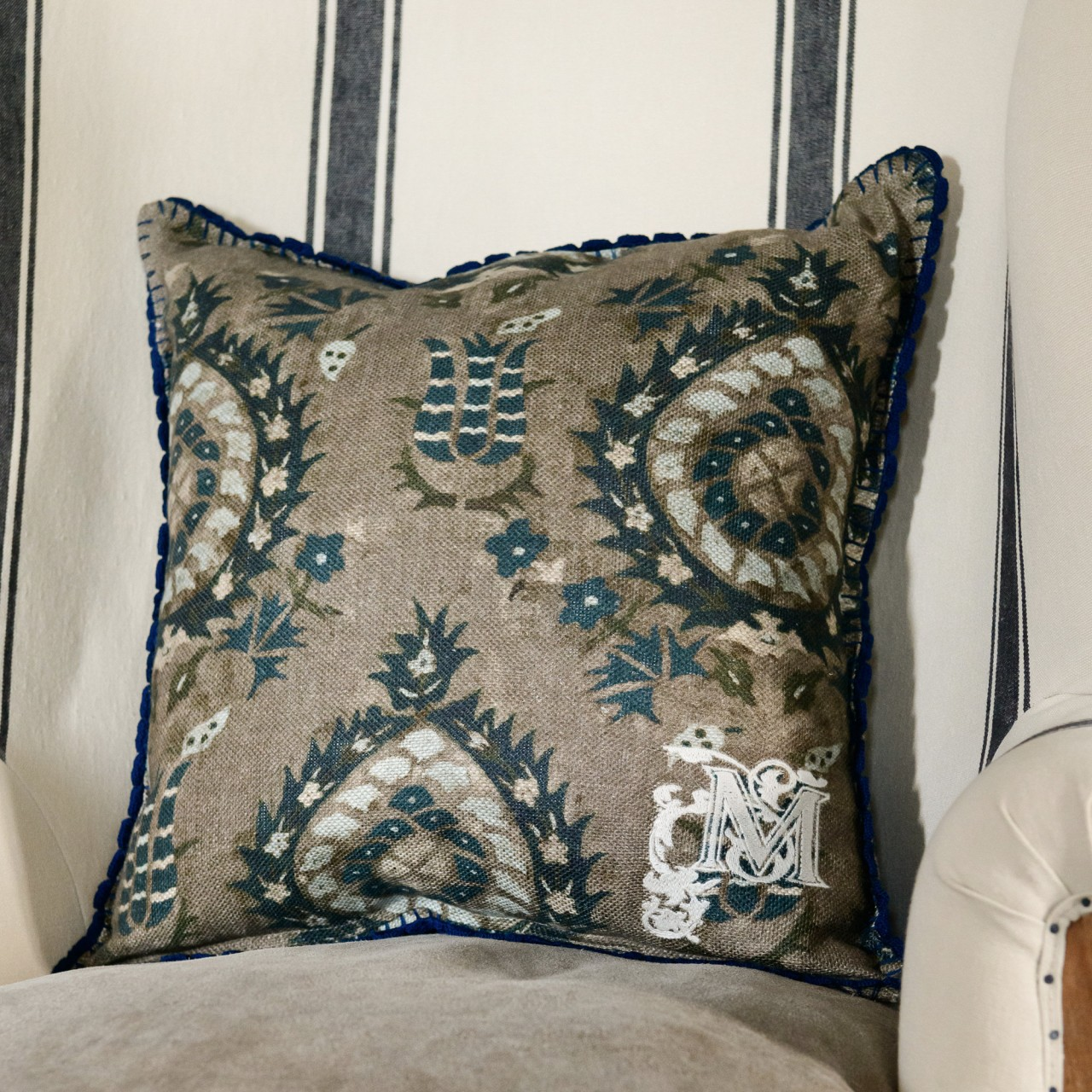 FLOURISH Linen Cushion
