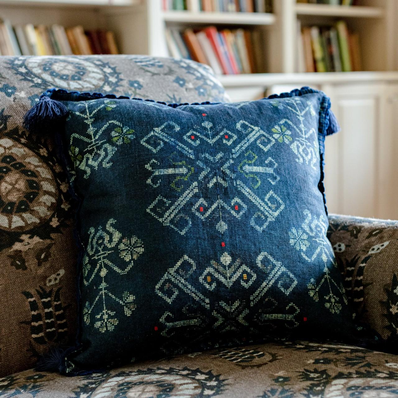ROOTS Linen Cushion
