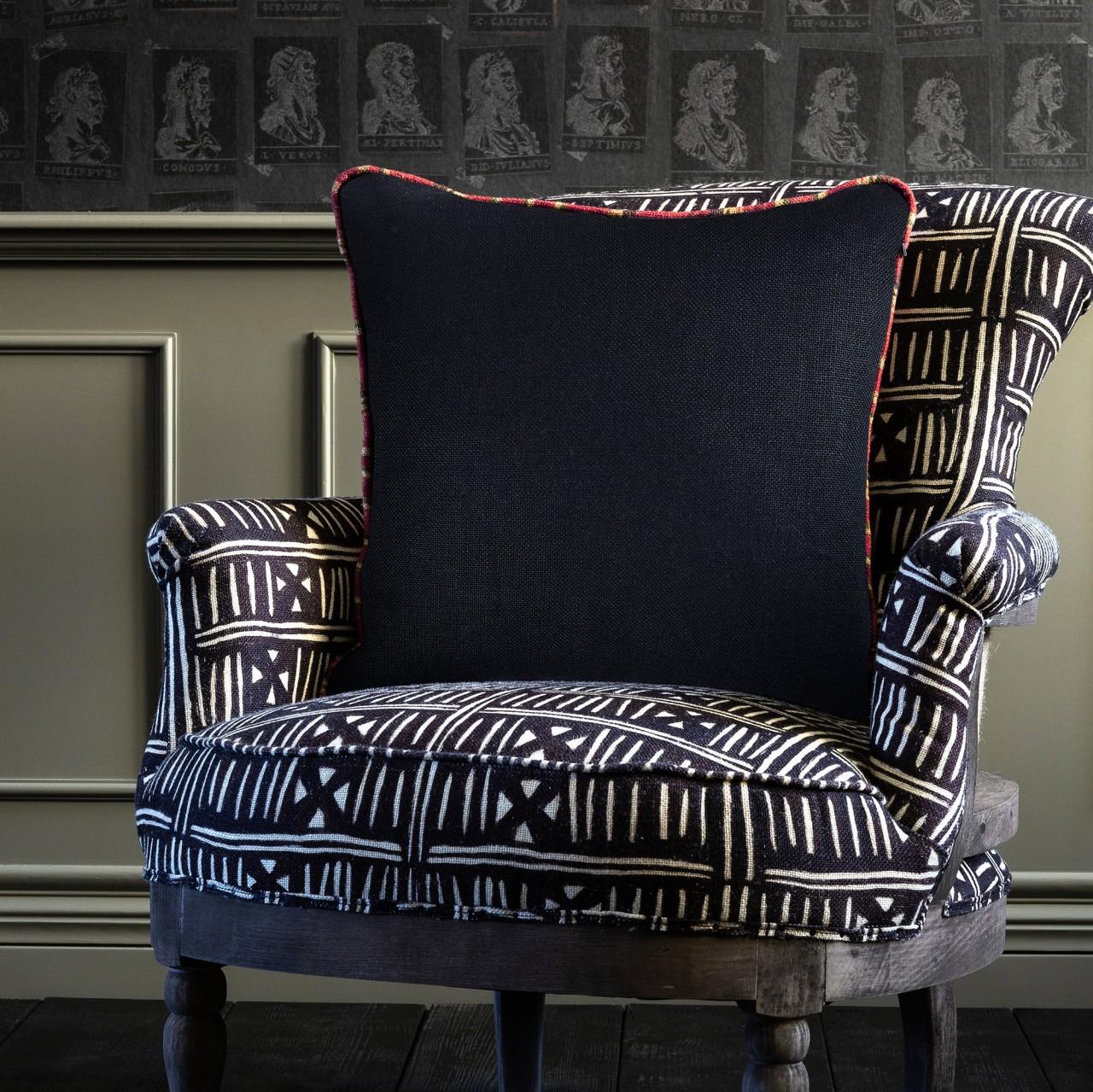 ANTHRACITE Linen Cushion