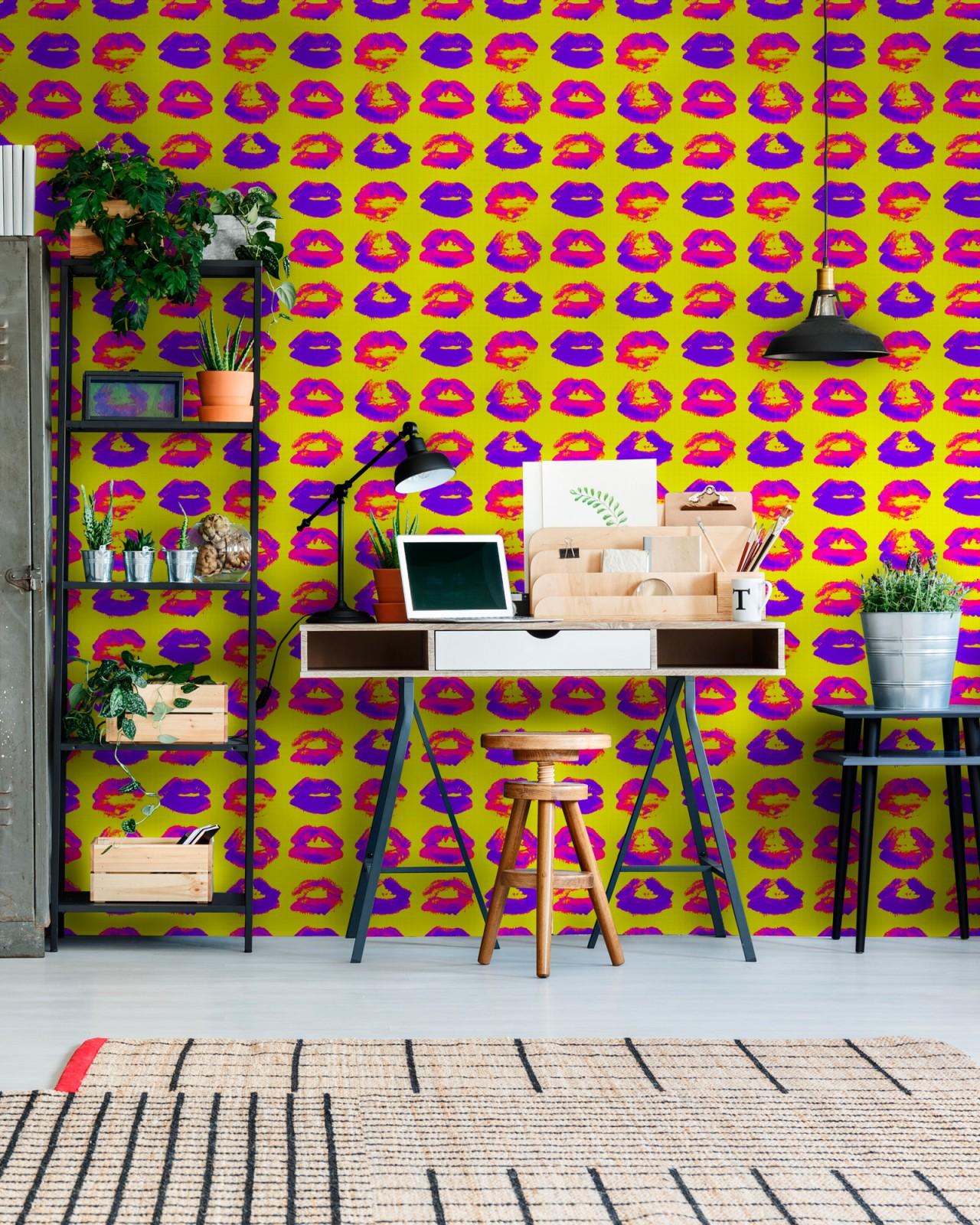 NEON KISS Wallpaper