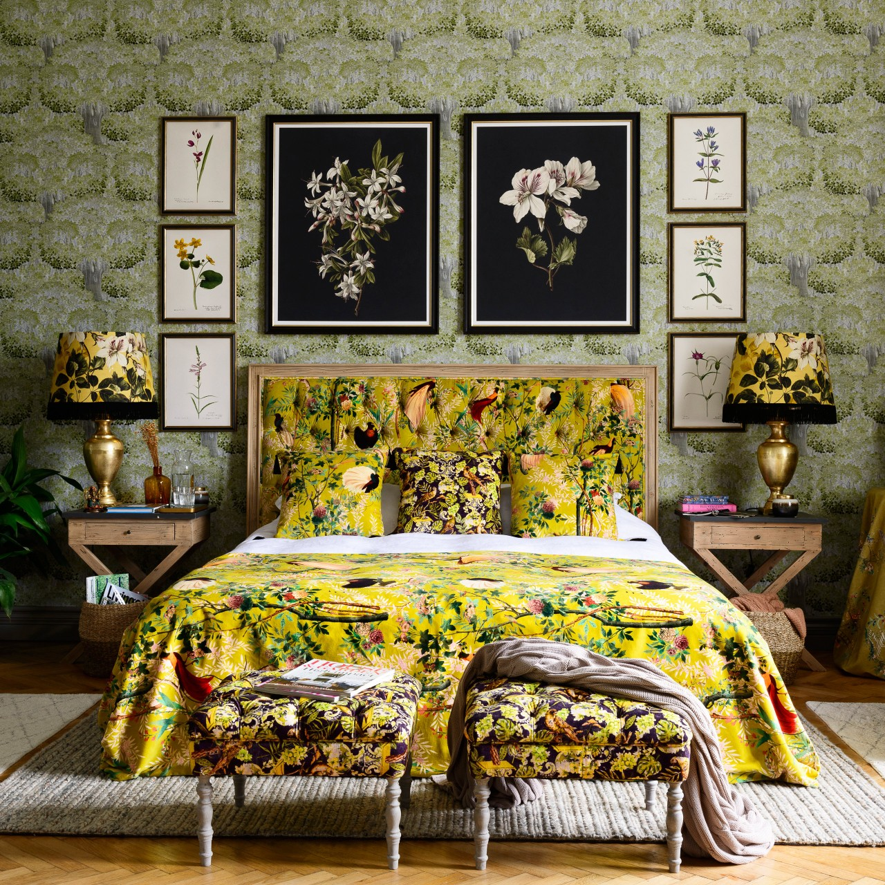 ANTAL Bed - ROYAL GARDEN Green Velvet