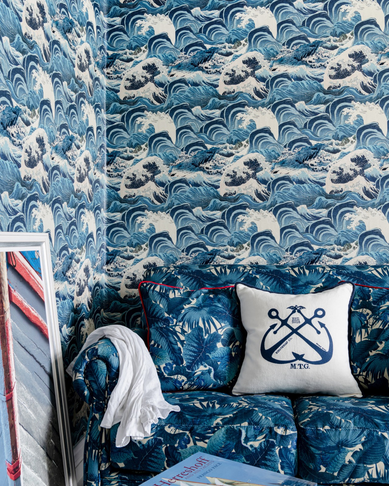 SEA WAVES Light Blue Wallpaper