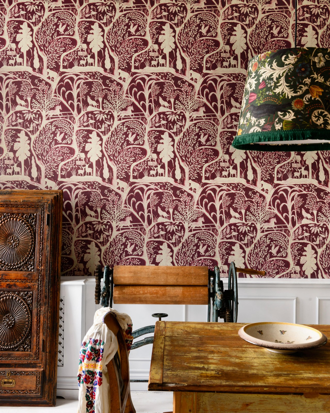 THE ENCHANTED WOODLAND Wallpaper