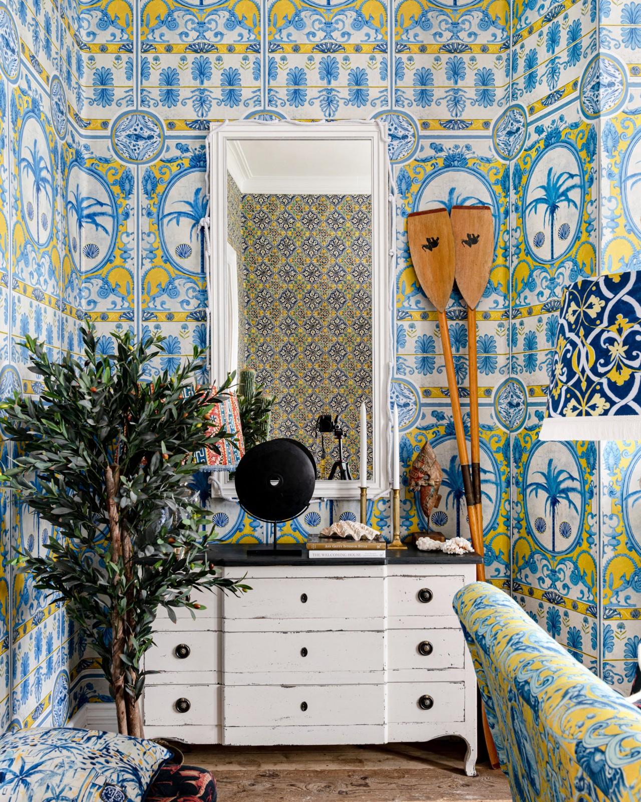 THE VILLA Mural Yellow Wallpaper