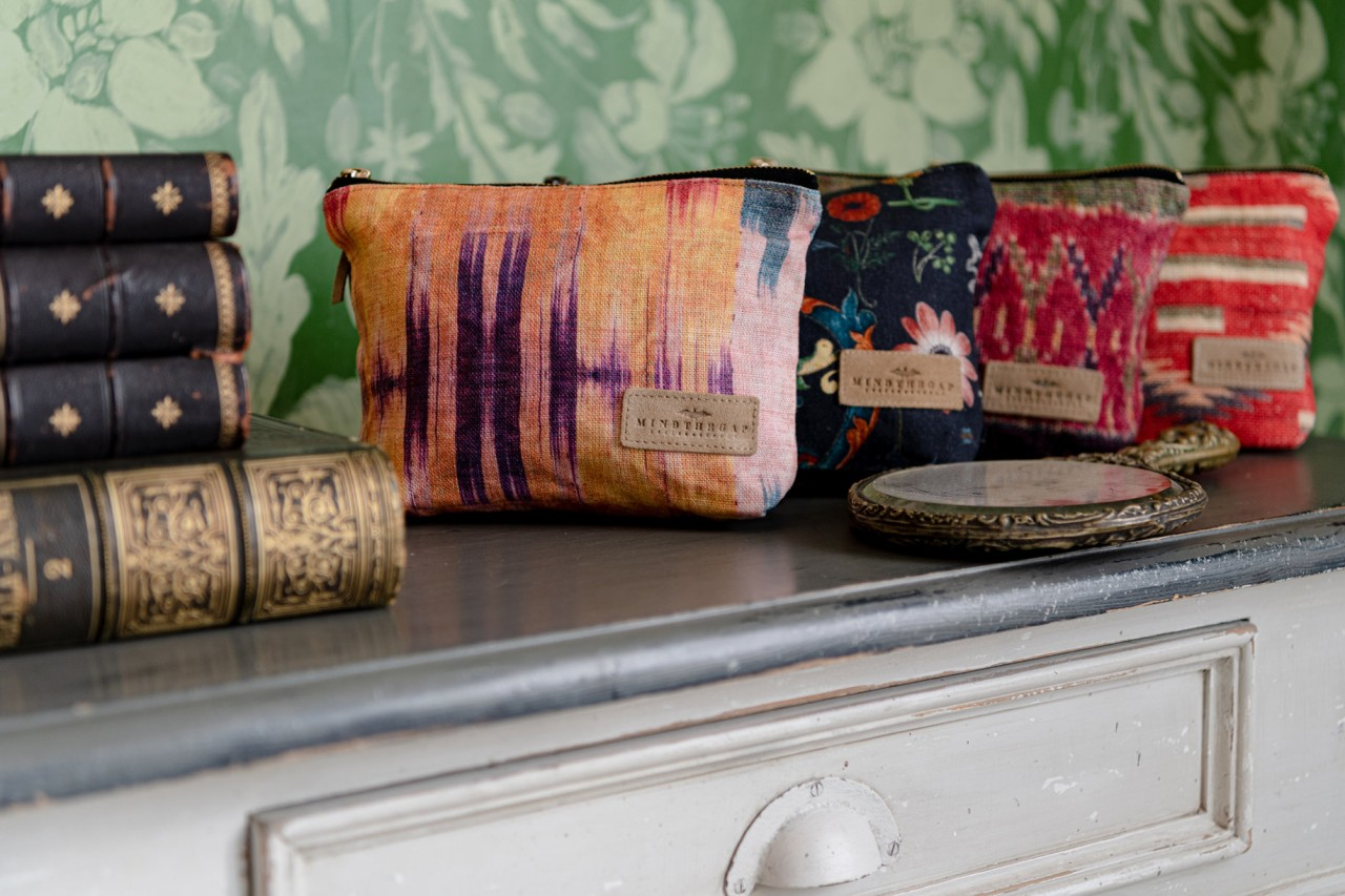 TRANSYLVANIAN FOLK Linen Wash Bag