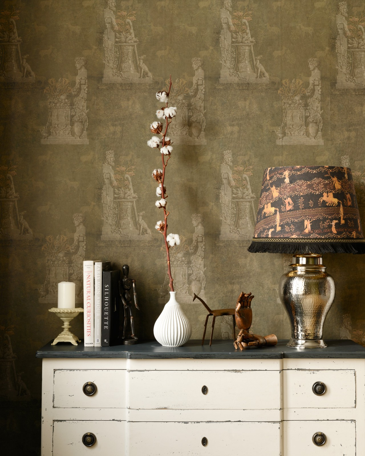 SCULPTURAL Moss Wallpaper