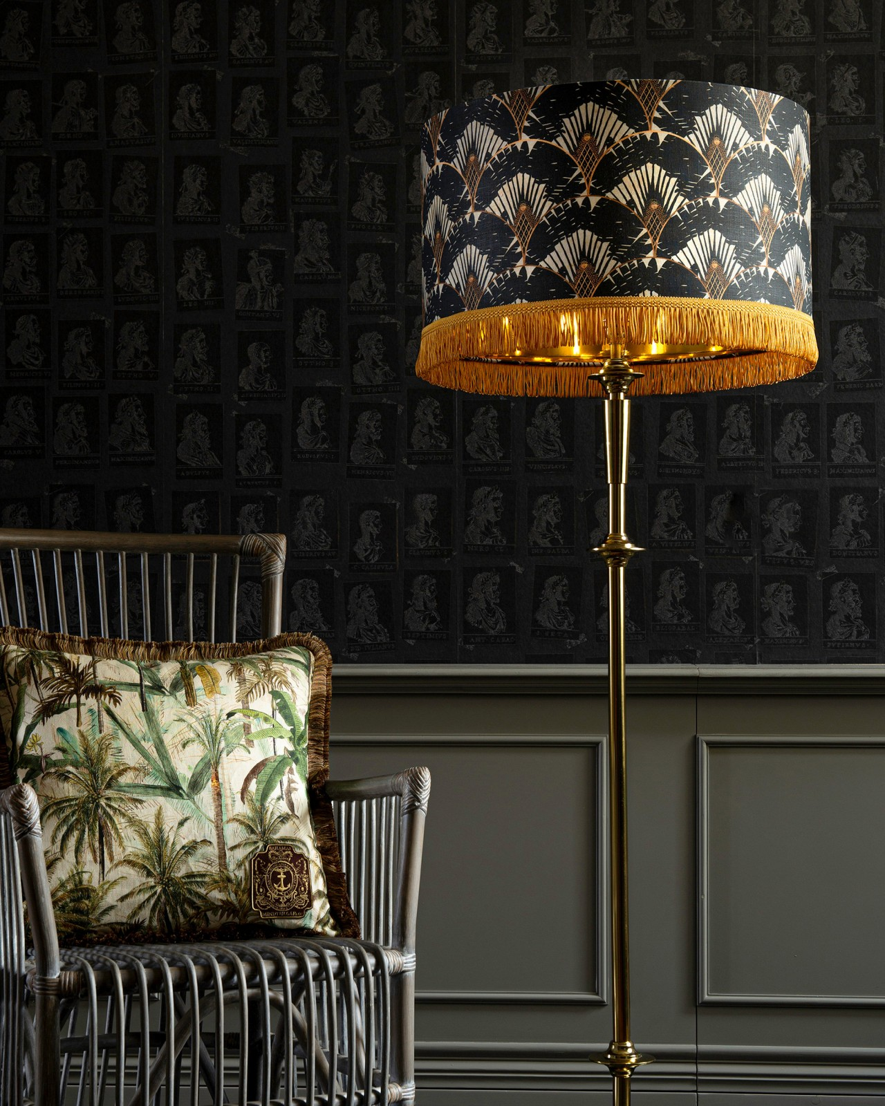 RAVENALA Dark REGENCY Floor Lamp