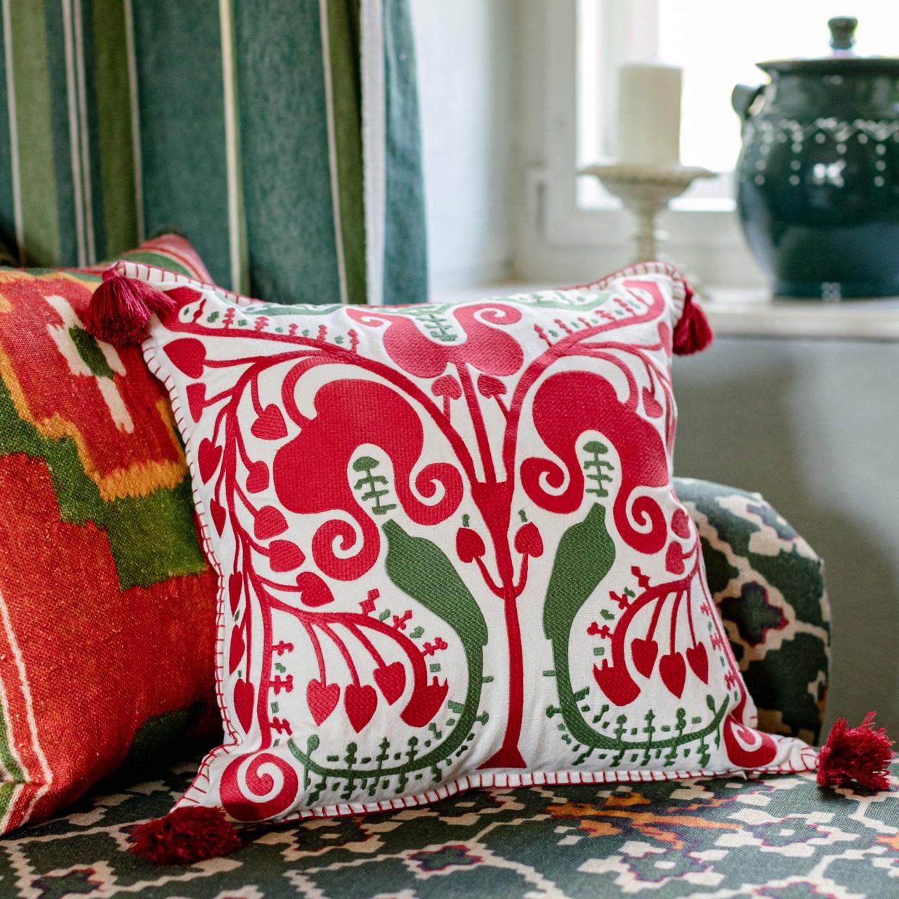 TRANSYLVANIAN SUZANI Linen Embroidered Cushion