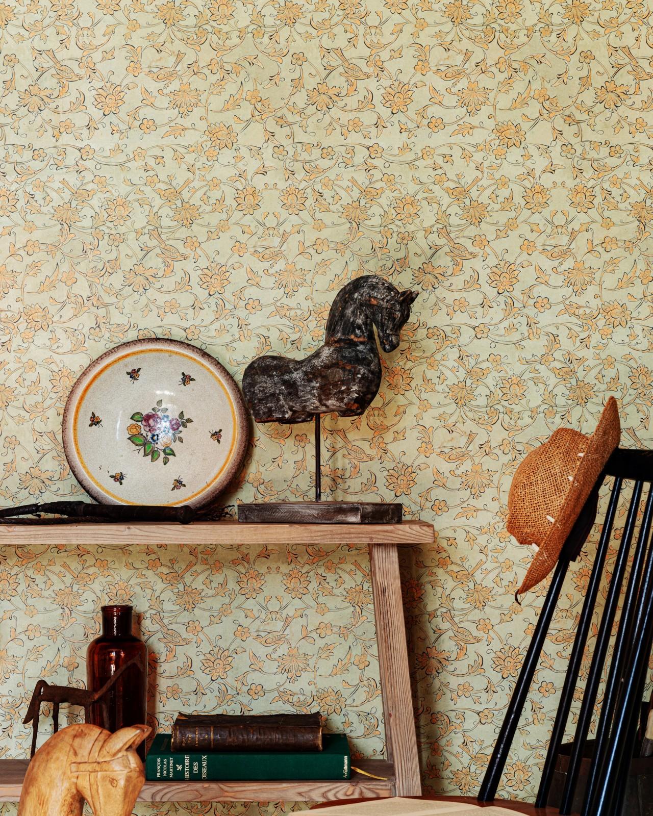 BACKYARD FLOWERING Seacrest Wallpaper